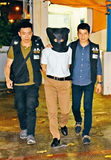 疑兇張祺忠早前被警員押返宿舍調查。