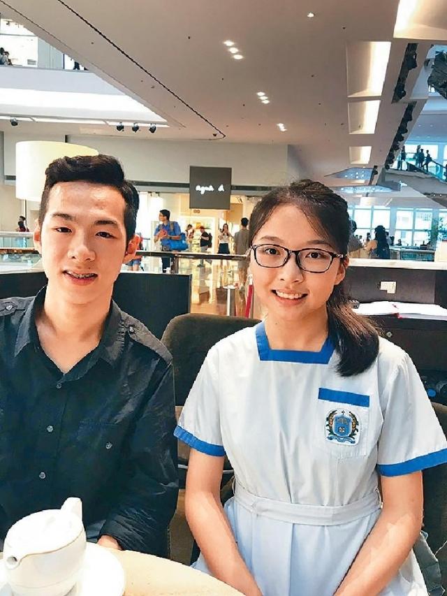 ■麥嚞旭(左)、曾恩勺:中學生,參加「與司局長同行」計劃。