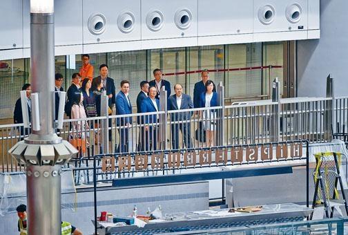 張建宗昨巡視西九龍站準備情況。