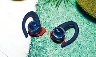 BackBeat FIT 3100設有大型耳鈎令佩戴更穩圖。