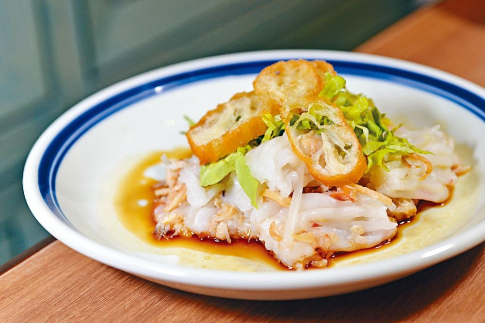 櫻花蝦蟹肉撈腸粉,色香味俱全。