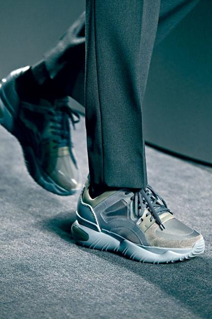 ●Fancy Fendi運動鞋/$8,100,設計糅合街頭及都會風格。