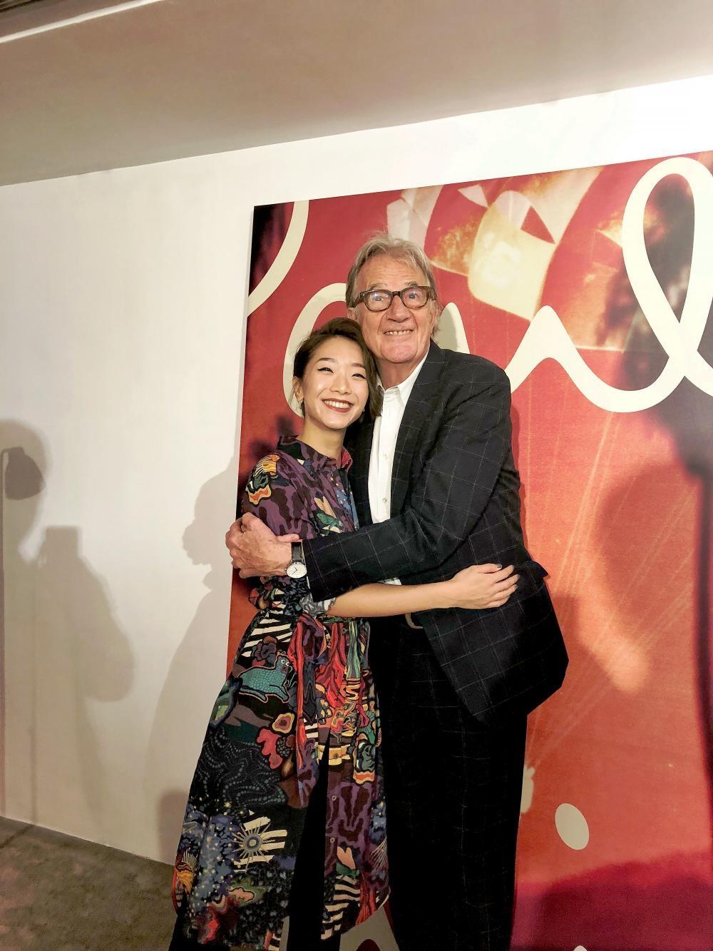 時裝造型師Veronica Li與英國設計大師Paul Smith首度見面,蜴談2019春夏系列的色彩靈感。