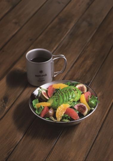 牛油果田園沙律 配油醋汁 $59 手沖咖啡 $39 有甚麼比起吃一個豐富的沙律作前菜更好?幼滑的牛油果加上甜美無花果,營養十足時,更為整個下午打起精神。