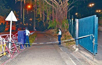 警方封鎖摩士公園劫案現場調查。