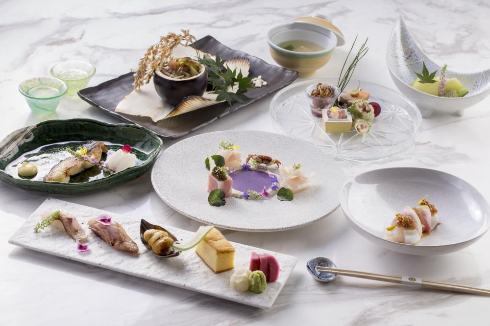 鮨蕾主打新派廚師發辦,這次特意為「梵」創作八款美食。