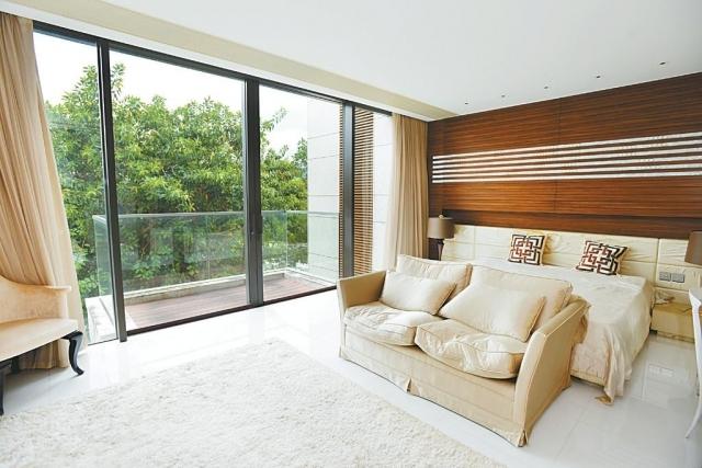■主人套房空間偌大,並外連賞景露台。