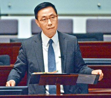 ■楊潤雄表示,當局明白業界反映小學中層職級不足的問題,正與小學界討論如何解決。
