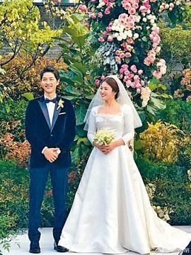 雙宋昨結婚1周年,二人的婚照再次在網上流傳。
