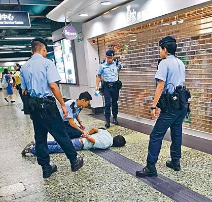 中槍疑犯由增援警員制服拘捕。