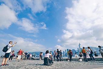 海港辦事處研究在維港兩岸開放更多觀賞景點。