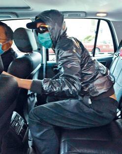 被告鍾雋弘還押監房至本月二十二日判刑。