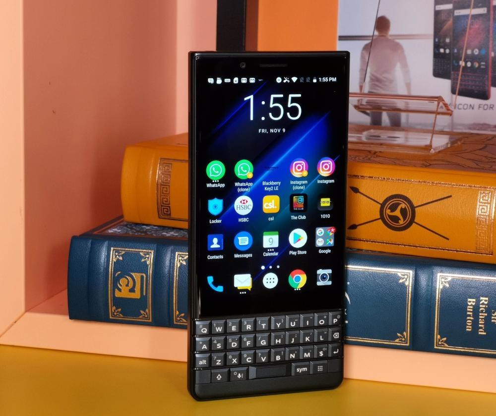 BlackBerry Key 2 LE同時配備觸控熒幕及QWERTY鍵盤兩大特色。