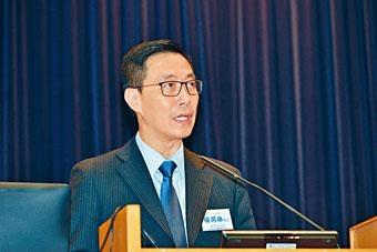 楊潤雄強調,當局以往推出先導計畫發展教科書,旨為學校提供更多選擇,但選書屬學校專業決定。