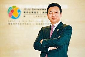 仰智慧在失蹤三個多月之後,公司突然發出通告,表示他可以恢復履行其主席職務。