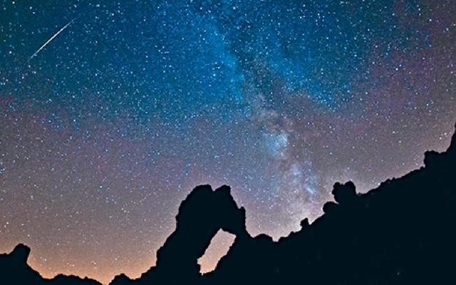 ■太空館預測,雙子座流星雨極大機會喺本港十二月十四號晚上演。資料圖片