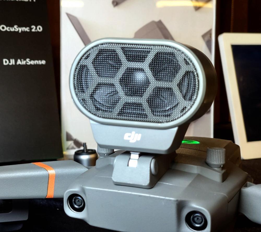 對講機可播放多達 10 條錄製語音訊。