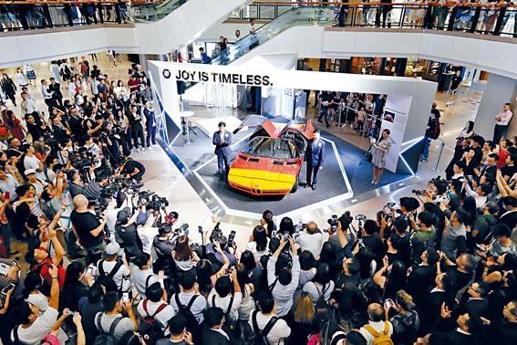 ●寶馬香港代理慶祝成立五十周年,連續十一日在海港城舉行大型主題展覽。