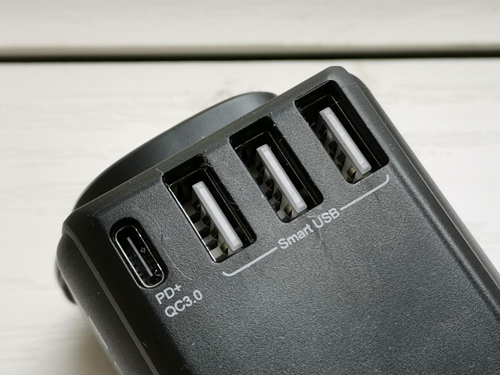 提供三組USB及支援PD快充的USB-C插口。