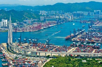 ■葵青貨櫃碼頭約有百公頃後勤地,可作多項用途。