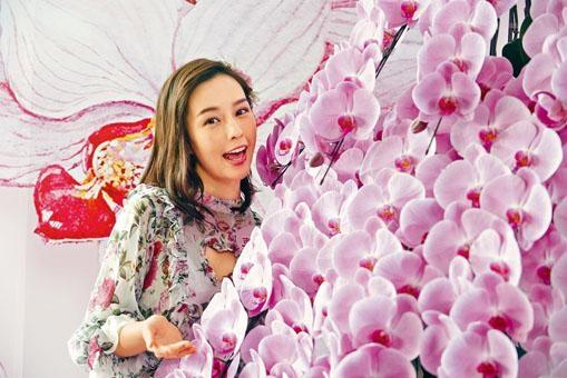 ■將軍澳一商場舉辦室內新春花市。