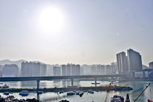 ■環保署公布去年本港的空氣質素情況,臭氧的年均濃度創十九年新高。