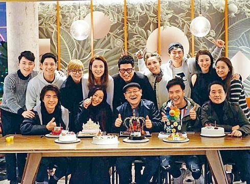 「博士」馬貫東(後排右三)亦有出席《愛‧回家》1月壽星生日會。
