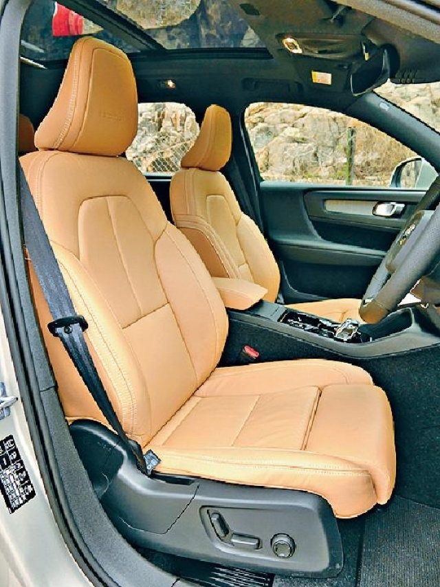 ■原廠電控皮椅質感柔軟舒適。