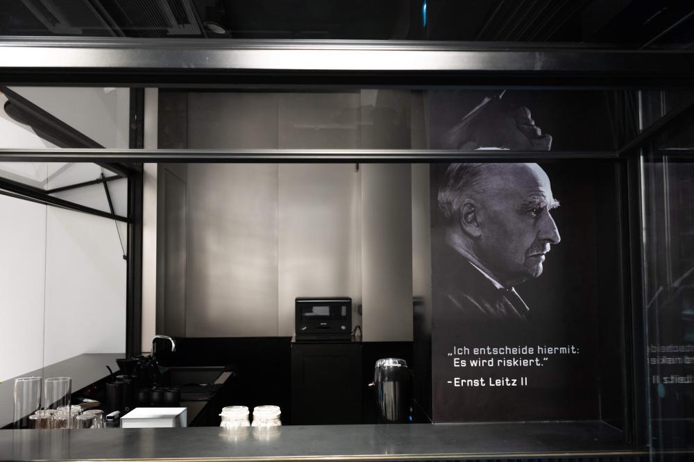 全家第四家Cafe Leitz設於店內,提供限定咖啡飲品及港式小食。