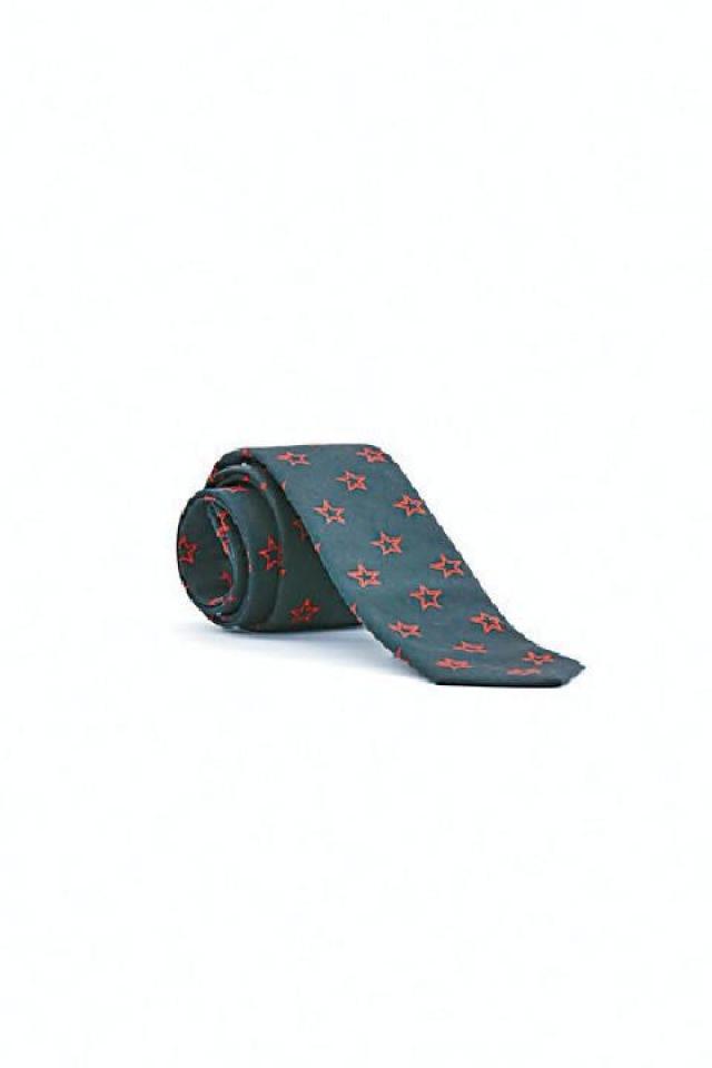 Givenchy 黑色底配星星圖案領呔 原價$1,800  優惠價$540