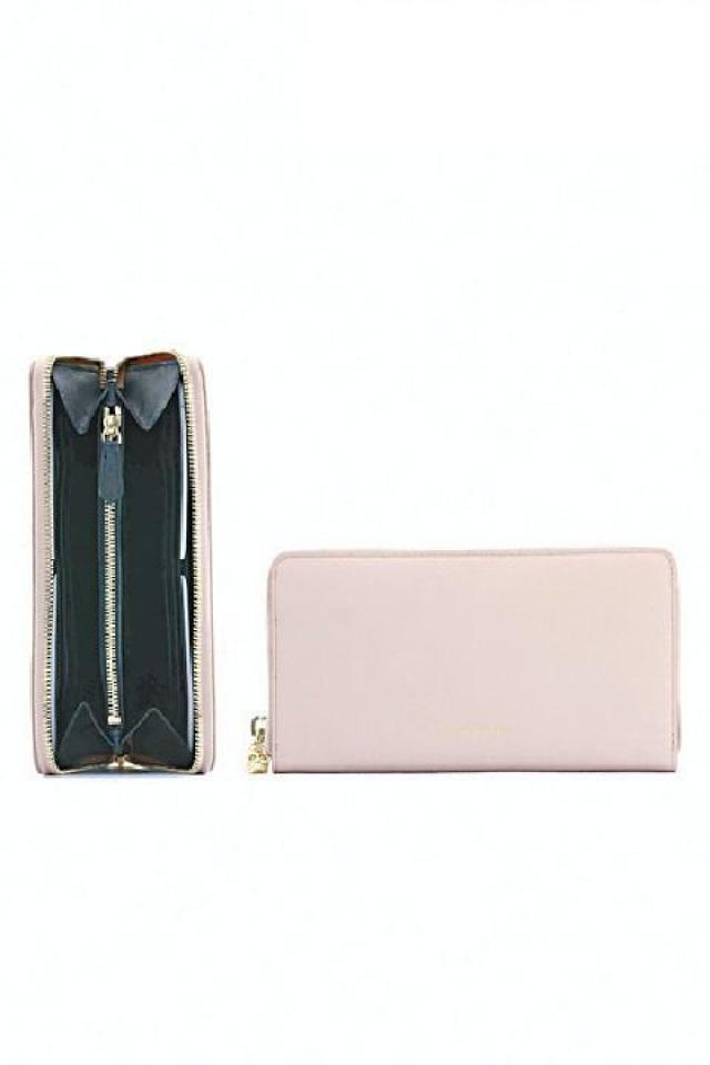 Alexander McQueen 粉紅色長銀包 原價$4,650  優惠價$1,395