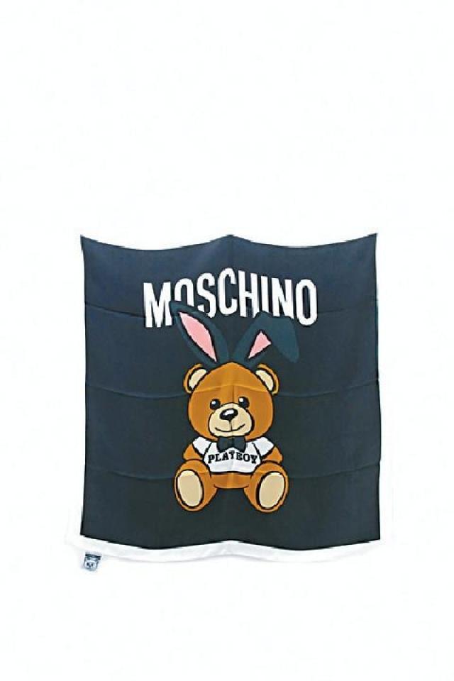 Moschino 熊仔圖案絲巾 原價$1,600  優惠價$480