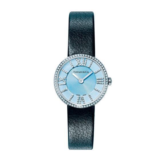 腕表一樣可以享用電腦鐫刻及皮革印字服務,個人推介情人節禮物必定是這枚Tiffany & Co. Atlas 24mm鑽石版。