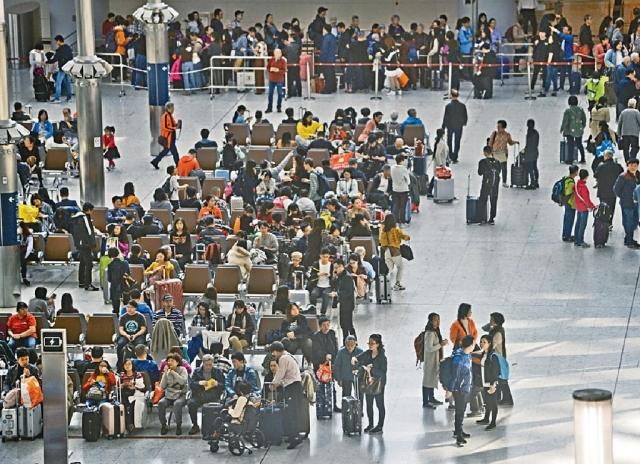 ■港高鐵首迎農曆新年旅客出入境高峰期。資料圖片