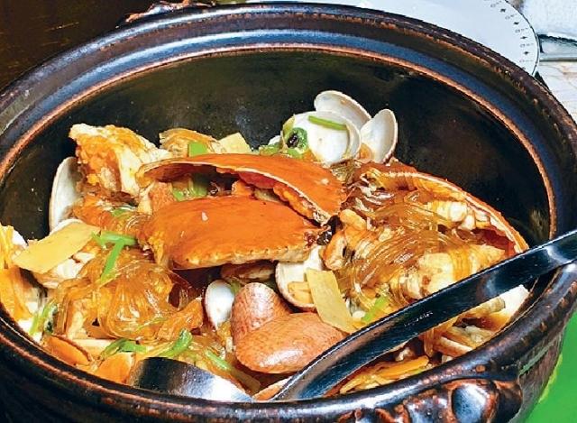 ■香菜葛絲肉蟹蜆煲   時價(須預訂)