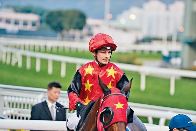 ■蘇兆輝昨日復出即做騎師王。