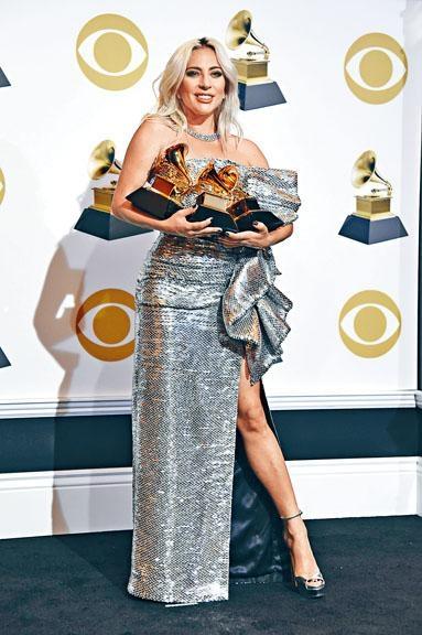 Gaga選擇出席格林美而不是英國奧斯卡,結果在格林美斬獲3獎。