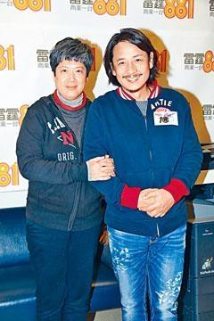 黃澤鋒與妻子年過五十才成為準爸媽,難免緊張。