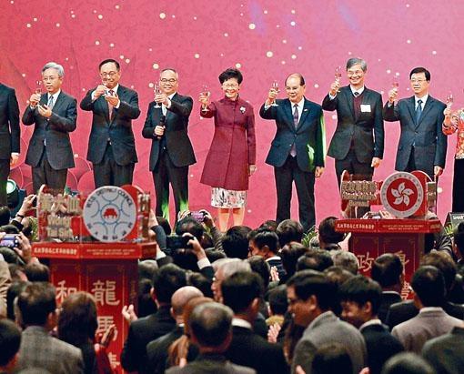■民政事務局昨舉行新春酒會,首次加入奏唱國歌環節。