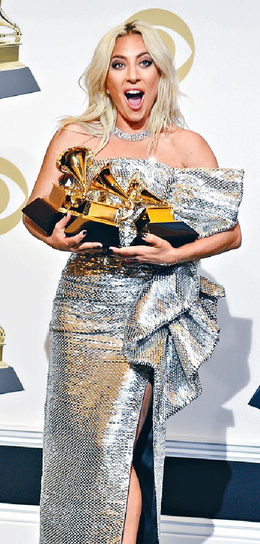 ■Gaga留在美國亮相格林美,最終收獲三個獎項。美聯社