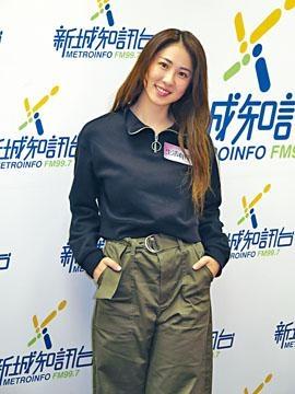 Sukie指老公擔任其MV導演,並拒絕為她找MV男主角。