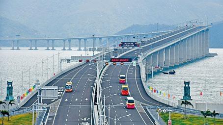 ■港澳私家車分階段,可行經港珠澳大橋往來內地。