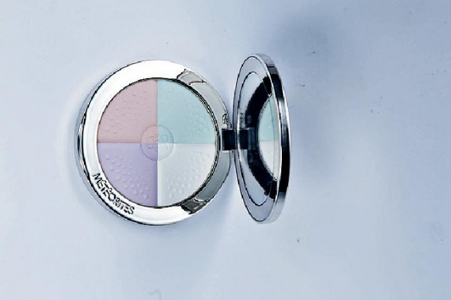 Guerlain Colour-correcting Blotting and Lighting Powder #Clair/Light $510