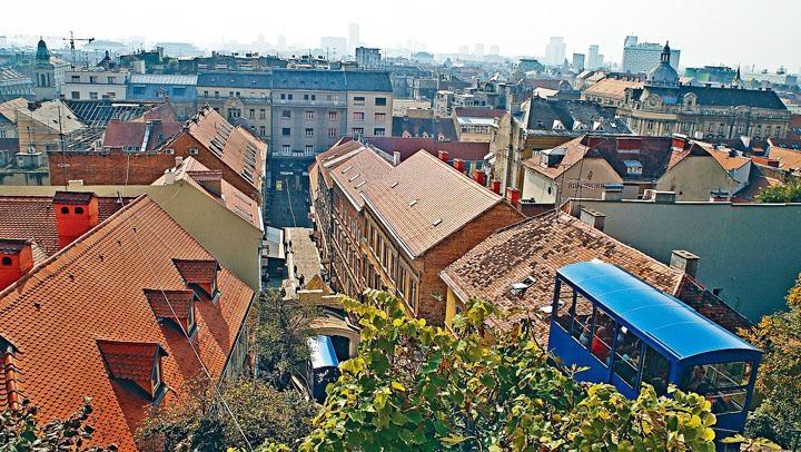 舊城區保留大量古雅建築物。