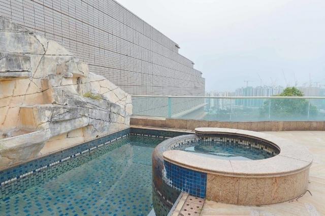 ■花園設有露天泳池連按摩池,環境寧靜寫意。