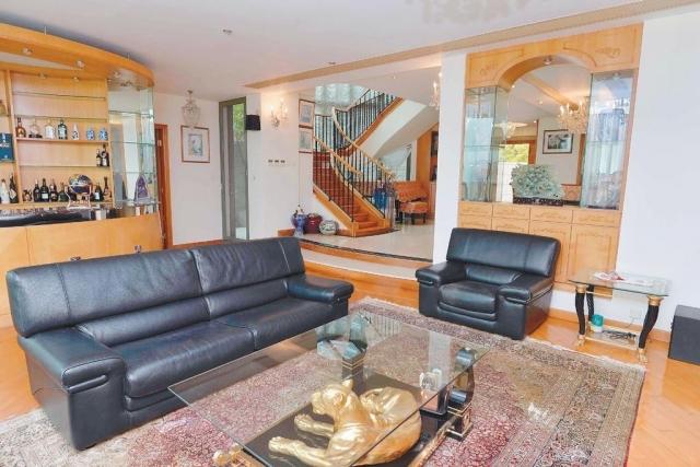 ■這間鹿茵山莊單號屋,實用面積2908方呎,採4套房2廳設計。