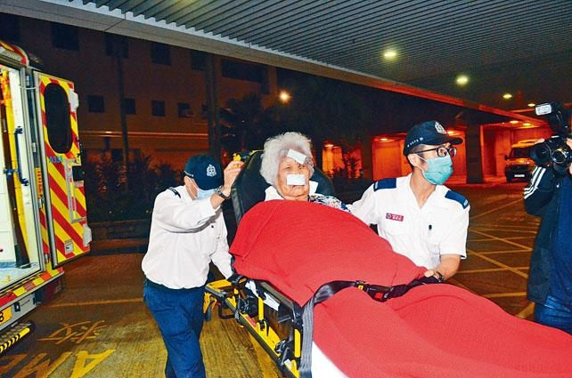 遭匪入屋打劫受傷老婦送院救治。