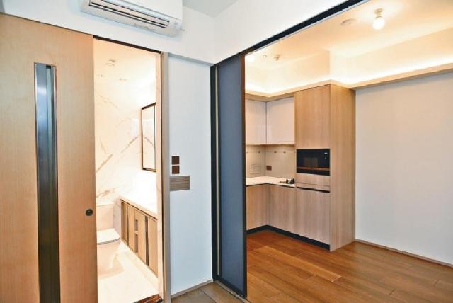 ■圖為28樓B室示範單位,一房間隔,面積270方呎。
