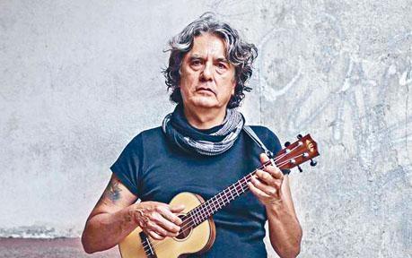 墨西哥歌手Armando自殺前曾寫下遺書。