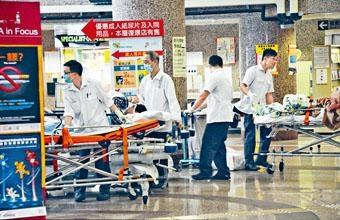■醫管局支援職系早前獲加薪百分之八,圖為非緊急救護運送服務員。